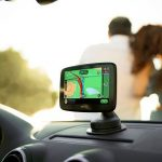 TomTom Go Essential: Powerful Navigation Seamlessly Integrated with Smartphone